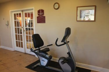 Fitness Area-Bays Inn & Suites Baytown